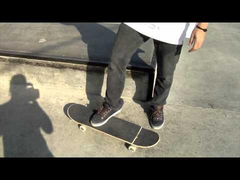BambooSK8 Trick Tip: How to Backside Tailslide
