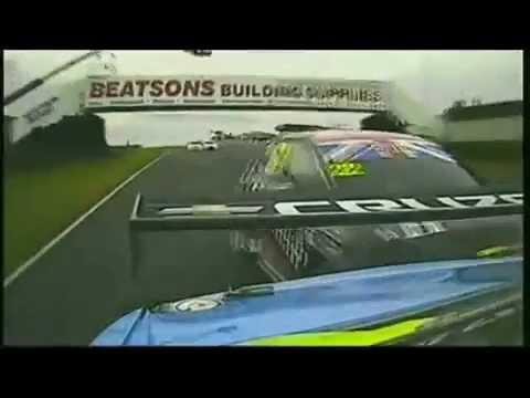 2011 BTCC Knockhill Rennen 3 Jason Plato Unfall