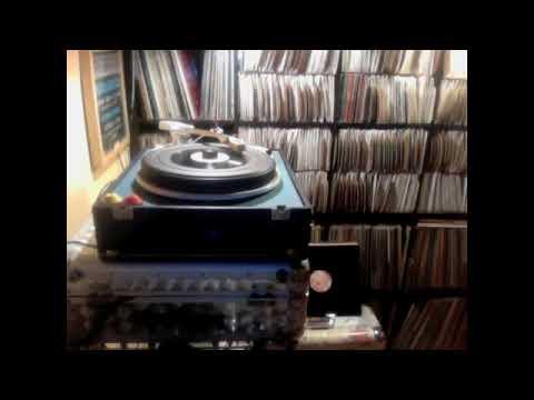 Daweh Congo – Help Me + dub