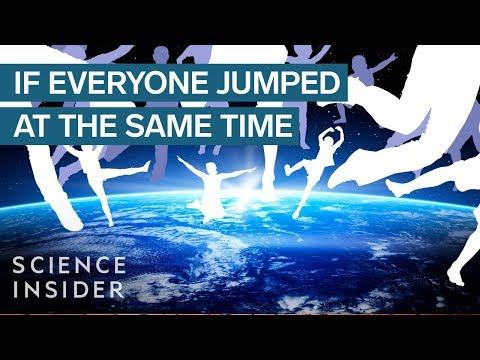 Τι θα συμβεί αν όλοι οι άνθρωποι στον πλανήτη κάνουν ταυτόχρονα ένα επιτόπιο πηδηματάκι [βίντεο]