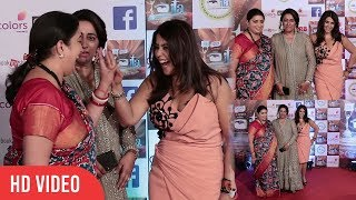 Smriti Irani and Ekta Kapoor at 17th Indian Television Academy Awards | ITA Awards 2017 | Colors TV