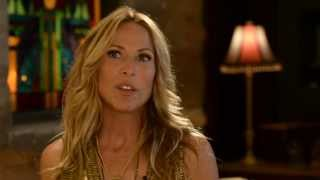 """Sheryl Crow - On """"Homecoming Queen"""""""