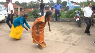 kodava valaga dance recorded by pudiyokkada poorna poonacha