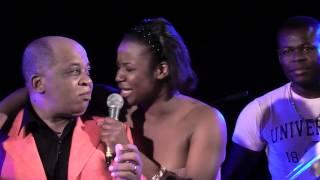 Repeat youtube video Charlotte Dipanda - Duo magique avec Ben Decca à Nanterre - Sortez les mouchoirs!