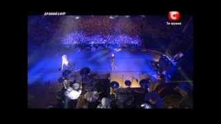 Adam Lambert performing Bohemian Rhapsody with QUEEN LIVE in Kiev, ...