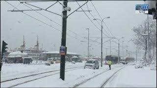 Neve e ghiaccio al Nord: disagi e incidenti. Colpito in particolare il Piemonte