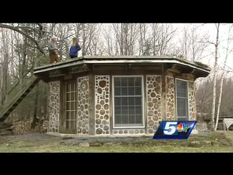 Earthwood Building School teaches cordwood masonry