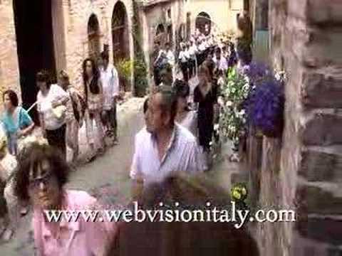 Italy Travel: Umbrian festival of Corpus Christi