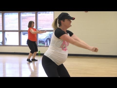 Zumba instructor keeps teaching eight months into pregnancy