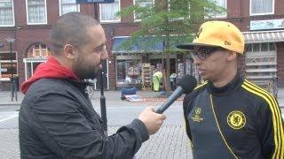 Salaheddine doet een taaltest in Dordrecht