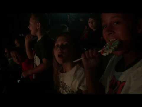 "*Kids Singing ""hakuna Matata"" Disney On Ice 100 Years Of Magic"
