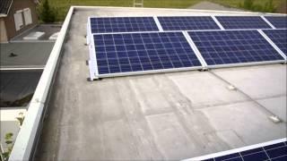 65 Zonnepanelen op een zacht PVC dak