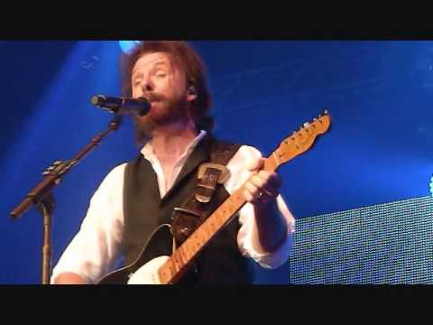 Neon Moon Ronnie Dunn  Live at Riverwind Casino Norman, Ok  2-22-13
