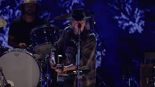 Neil Young and Promise of the Real - Human Highway (Live at Farm Aid 2017)