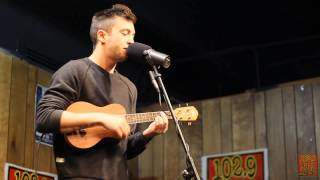 102.9 The Buzz Acoustic Session: Twenty One Pilots - Screen