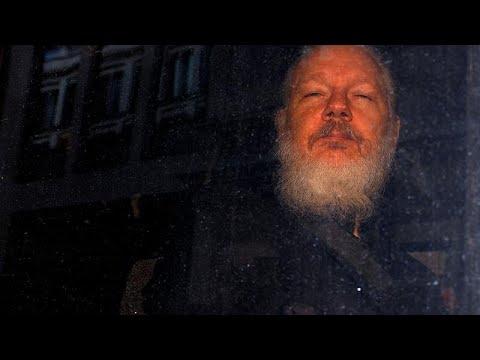 Julien Assange acusado pelos EUA de 18 crimes