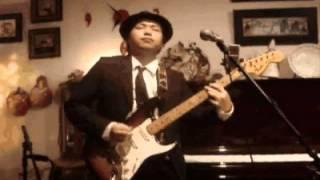 横浜の某カフェでの演奏です。サイドギター、ベース、ドラムを自宅で録...