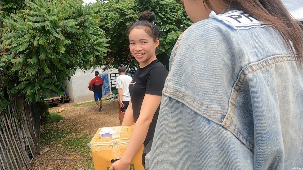 เอาของฝากจากฝั่งไทยไปให้พี่น้องฝั่งลาวดีใจจนยิ้มไม่หุบ ຮັບຂອງຝາກຈາກໄທມາລາວ