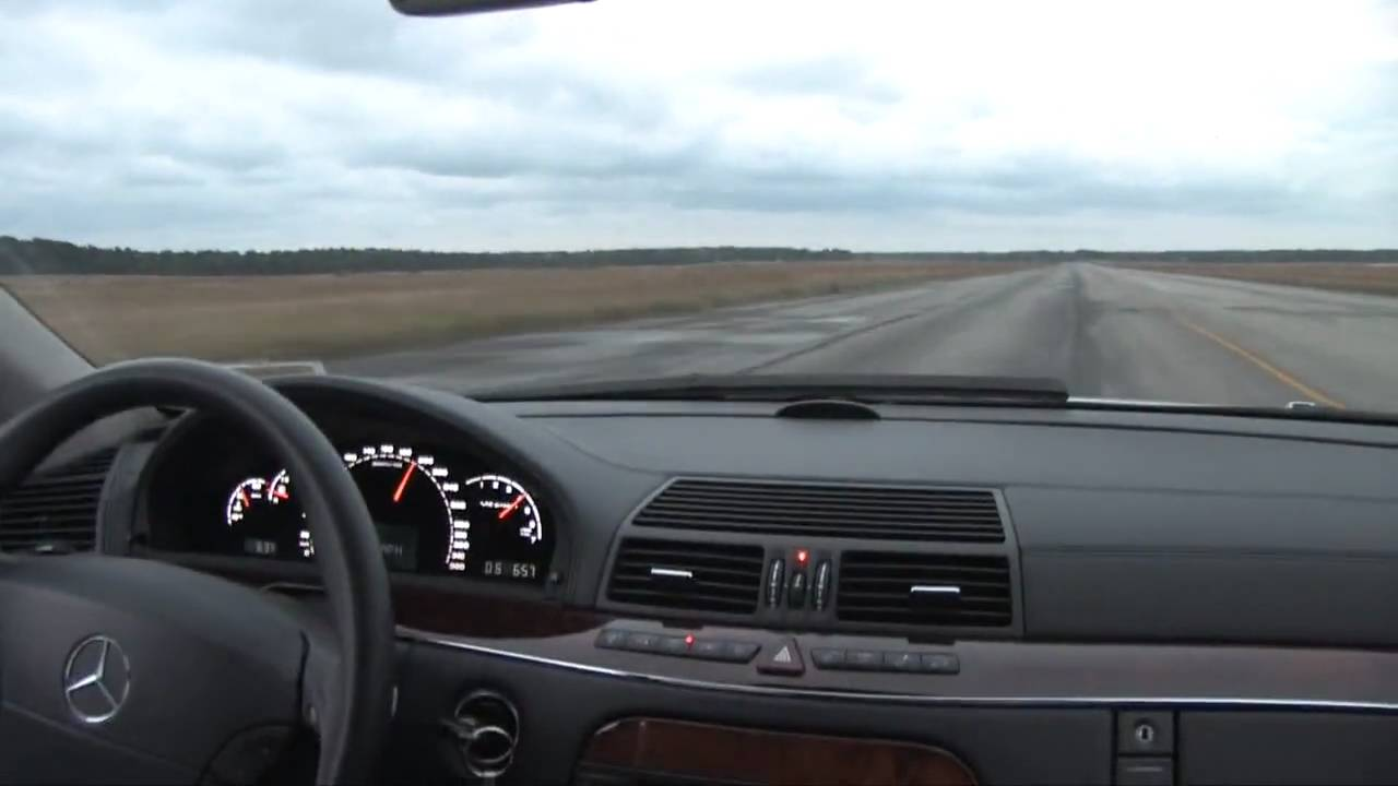 Mercedes-Benz S600 - V12 Biturbo - Runway Run - YouTube on