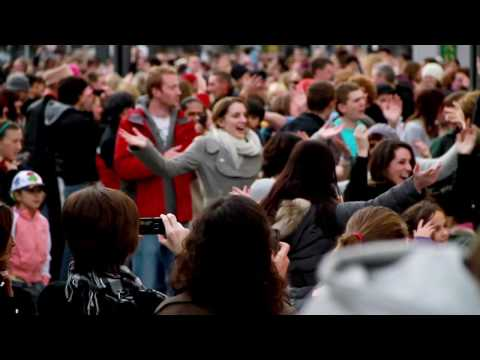 Flashmob Ireland : Let Mr Blue Sky In - Cork City Ireland