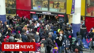 Coronavirus: Europe shuts down its borders - BBC News