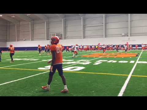 Syracuse football goes live at practice