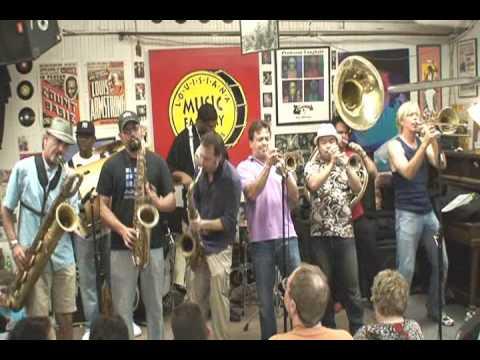 New Orleans Nightcrawlers @ Louisiana Music Factory JazzFest 2009 - PT 1