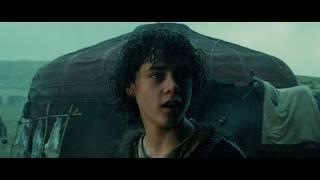 Римляне забирают Ланцелота на службу. Король Артур (2004).