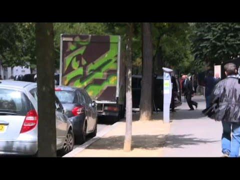 Football:Neymar leaves American Hospital after arriving in Paris