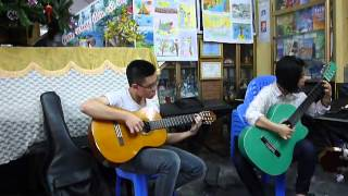 lop hoc guitar phuong phu thuong nhat tan xuan la tay ho ha noi dt 0946836968