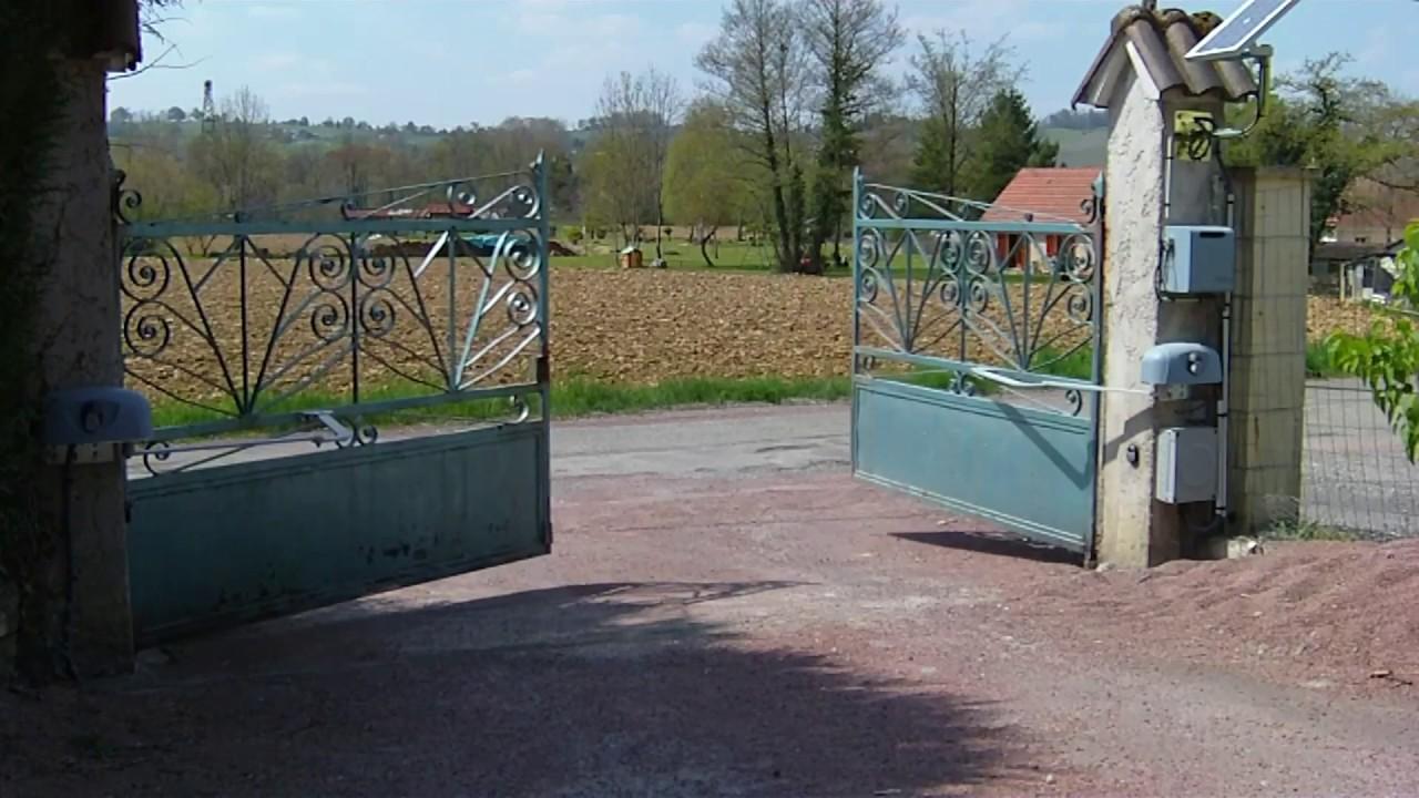 Beau Motorisation Du0027un Portail Métallique Vers Lu0027extérieur