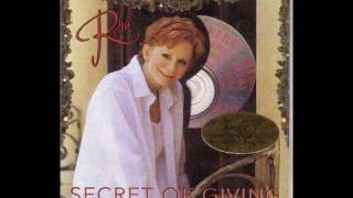 Watch Reba McEntire Secret Of Giving video