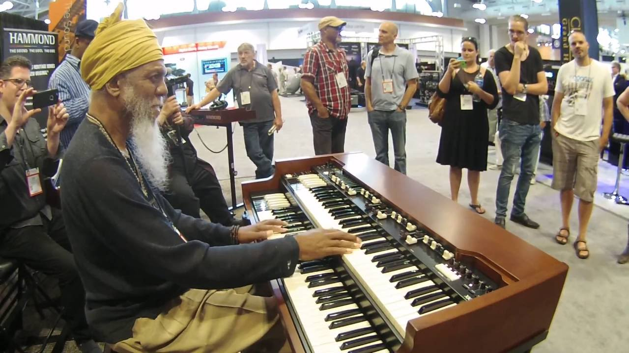 summer namm 2016 dr lonnie smith plays the hammond xk 5 organ youtube. Black Bedroom Furniture Sets. Home Design Ideas