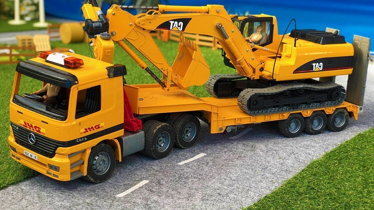 Stunning Construction Site Toys Excavator, Truck and Front Loader!