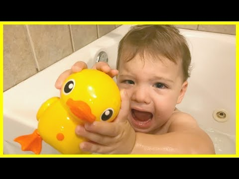 Fun with Baby Playing In The Bath tub with Bubbles-Bubble Bath Time Fun with Toys Duck Robot Toy
