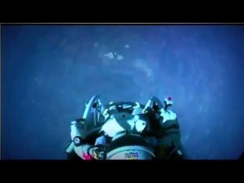 Lully + Felix Baumgartner lancio dallo Spazio da 39000m - Music: Lulli Roland Chaconne - LinkiAmici