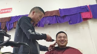 [Bacon's Journey] RMB35 for men's haircut. Is it expensive to live in Tibet? Let's try a restaurant.