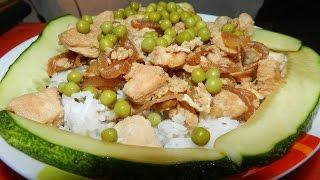 Оякодон (японский омлет с рисом и курицей) + огурцы по японски