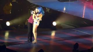 Baixar Katy Perry - I Wanna Dance With Somebody - California Dreams Tour @ Nottingham - 5 nov 2011
