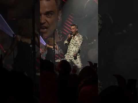 Sensational - Robbie Williams (live at Apple Music Festival 10)
