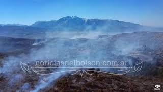 El frente del incendio de Epuyen desde el aire