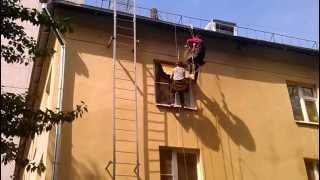 Покраска фасада промышленными альпинистами компании