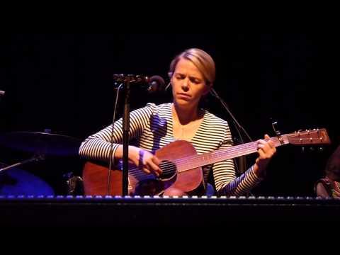 Aoife O'Donovan - 'Lay My Burden Down' (Glasgow, 2014)
