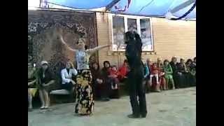 Свадьба в Дагестане.Дагестанка отжигает лезгинку =)