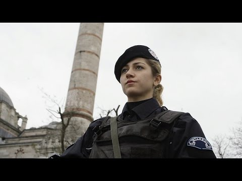 Turkey lets policewomen wear hijab