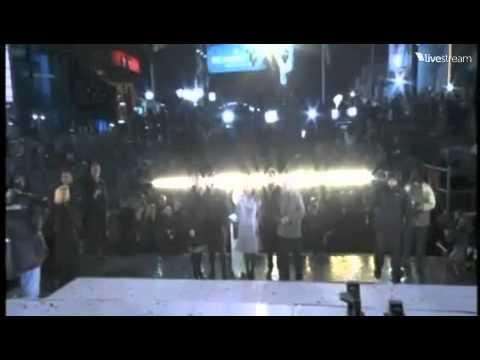 Video-New York Times Square Ball Drop 2011! HD