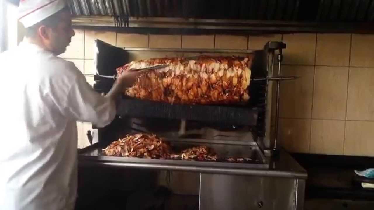مطعم السنديان أقدم مطعم شاورما على الفحم في العالم