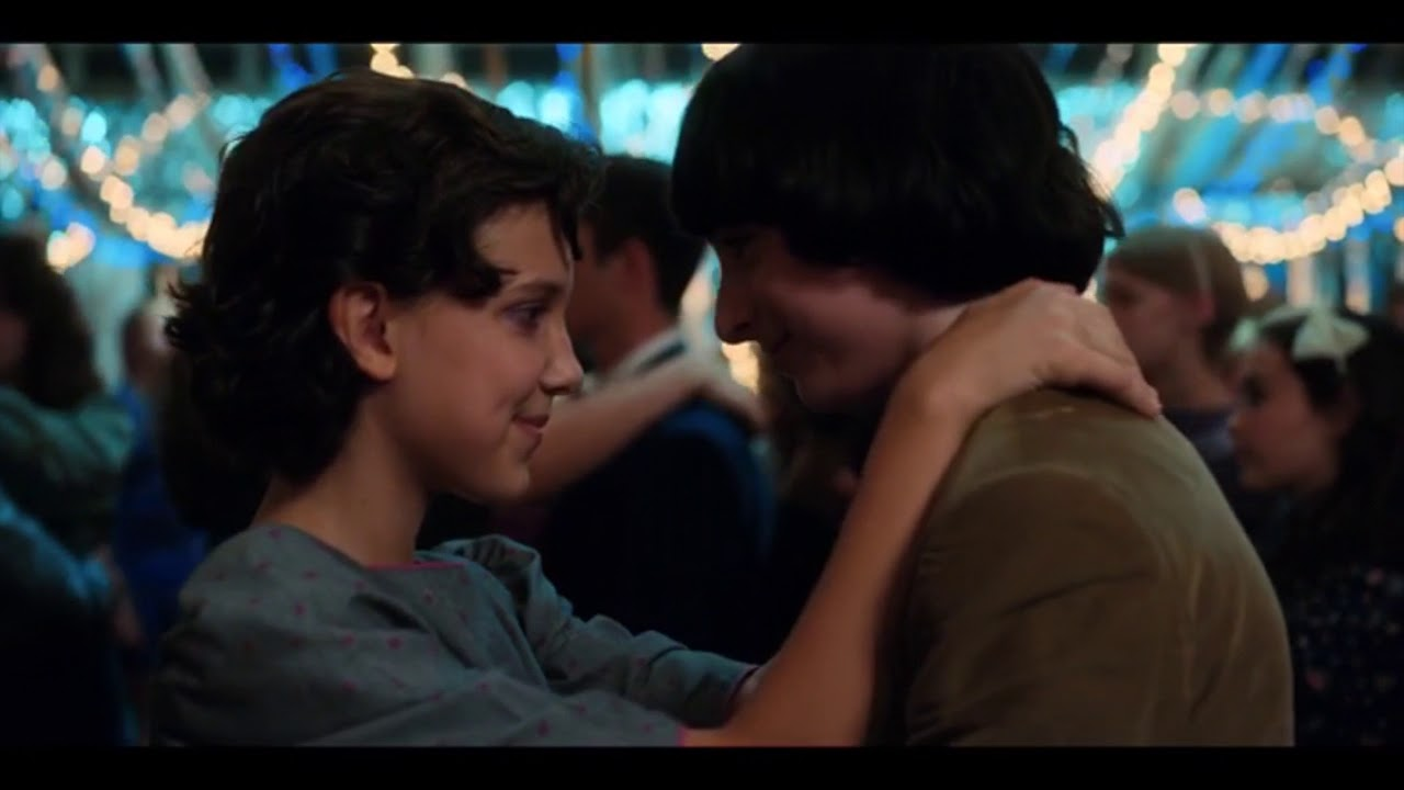 Mike and Eleven Kiss, Lucas and Max Kiss- Snow Ball Dance- Stranger Things 2x09 - YouTube