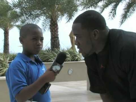 2010 Pro Bowl: 3rd Grade Reporter Anthony Bowie Interview with Jon Beason