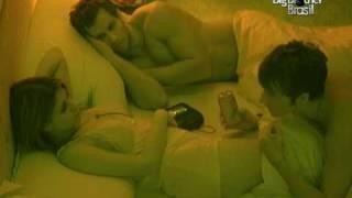 Repeat youtube video Noite hot da salada de fruta no quarto do líder parte 4